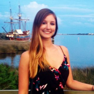 Emily L is looking for a New Roommate in Washington Dc with a budget of $900.00