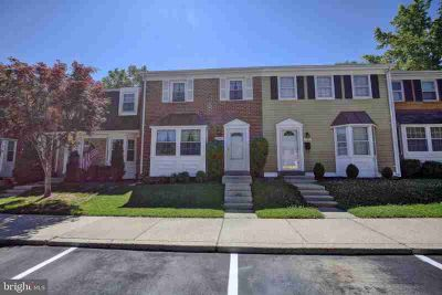 1759 Castleford Sq CROFTON Two BR, This beauty is move-in