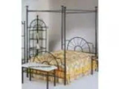Black quotsunburst quot Design Queen Size Canopy Bed Headboard