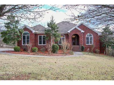 4 Bed 3.5 Bath Foreclosure Property in Huntsville, AL 35811 - Oakwood Ave NE