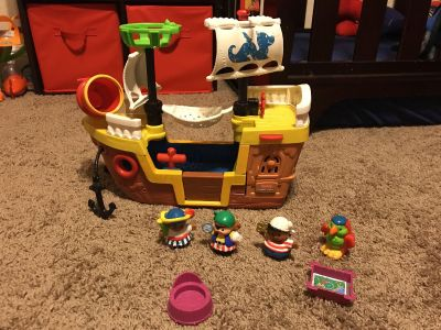 Little people pirate ship set