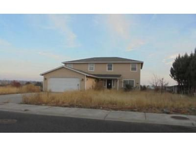 3 Bed 2.5 Bath Preforeclosure Property in Moses Lake, WA 98837 - W Windrose Dr