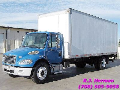 2010 Freightliner M2 24 ft (NON CDL) Straight Truck