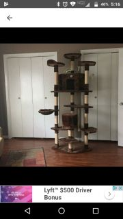 CAT TREE CONDO TOWER, 80X30X45, USED BUT STILL IN GREAT CONDITION, NON SMOKING HOME. MUST PICK UP IN WASHINGTON.
