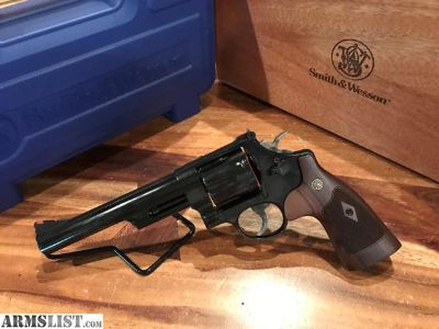 For Sale: Smith and Wesson Model 29 .44 magnum