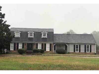 4 Bed 3 Bath Foreclosure Property in Fayetteville, GA 30214 - Dix Lee On Dr