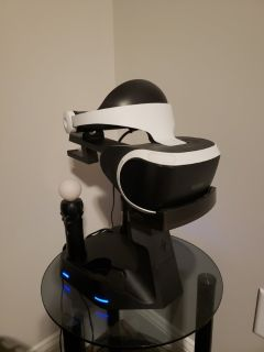 Playstation VR and 2 Move Controllers