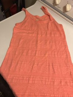 Mission size M but fits like S pink tank top