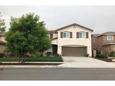 3 Bed 2.5 Bath Preforeclosure Property in San Bernardino, CA 92407 - Damiana Ln