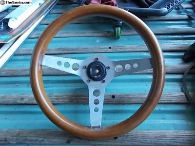 Classic wooden steering wheel with adapter horn