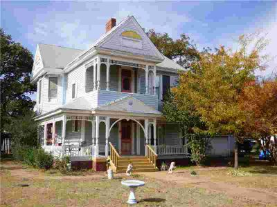 704 Avenue I Cisco Four BR, Here's your chance to own an