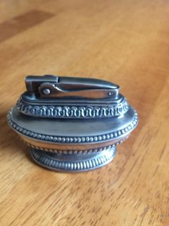 Vintage silver plated Ronson Queen Anne table top Lighter