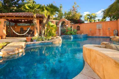 Vista short term vacation rental house & pool