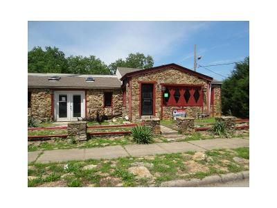 2 Bed 1 Bath Foreclosure Property in Kansas City, KS 66105 - S Mill St