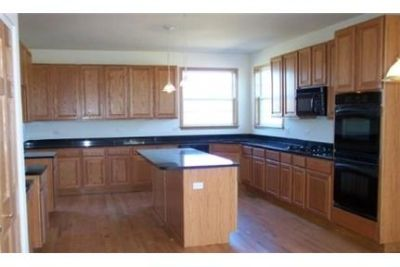 Large Colonial Home With Hardwood Floors in Foyer and Kitchen. Washer/Dryer Hookups!