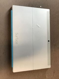 Microsoft Surface rt 2 32gb with keyboard and charger