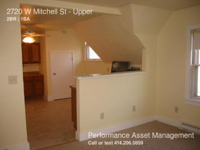 Exceptional 2BD Upper Unit on the Southside