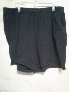 Women's pull on black shorts. Size 4X. Meet in Angleton.