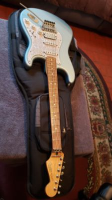FENDER STANDARD STRATOCASTER HSS WITH FLOYD ROSE TREMOLO MADE IN MEXICO VINTAGE 2001-2002