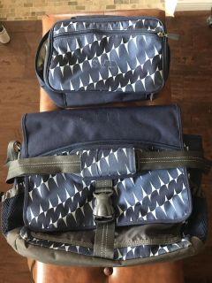 PB Teen Large Messenger Bag And Matching Lunch Box