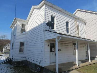 3 Bed 1 Bath Foreclosure Property in Derry, PA 15627 - E 2nd St
