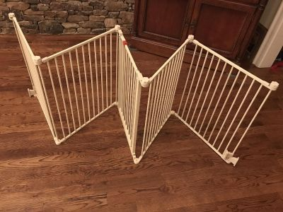 Top Paw 5 Panel Free Standing Dog Gate