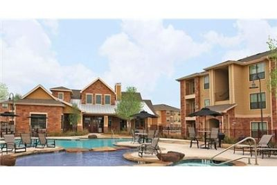 3 bedrooms Apartment - Guadalupe is located on the banks of the famous Guadalupe River.