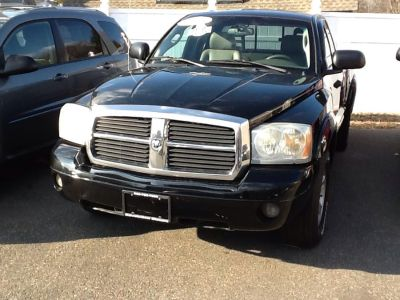 2005 Dodge Dakota Laramie (Black)