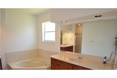 4 bedrooms Apartment - Freshly remodeled by Invitation Homes. 3+ Car Garage!