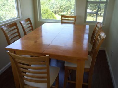 $395, Dining Table w 6 chairs