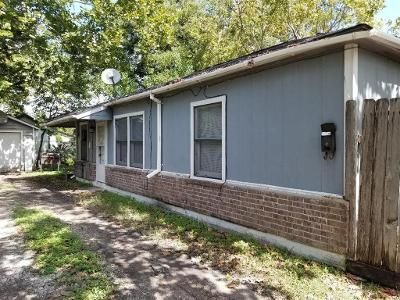 3 Bed 2 Bath Foreclosure Property in Baytown, TX 77520 - Hafer St