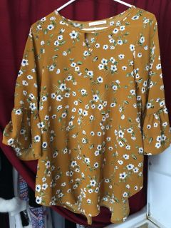 Lake Flower (Chico s) size S Blouse