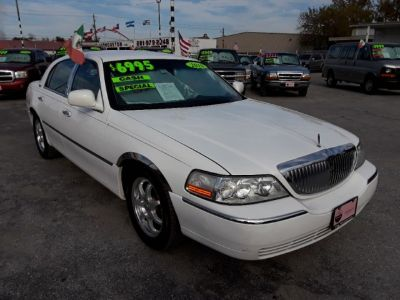 2010 Lincoln Town Car 4dr Sdn Signature Limited