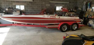 Cheyenne Drag Boat