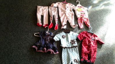 Girl's size 0-3 mo girl's clothes excellent condition $7