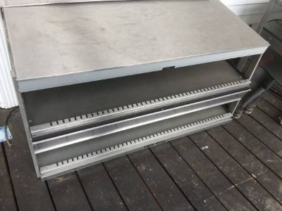 DELI and restaurant food-warming stainless steel tables for countertop