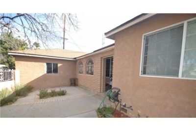 Sylmar, Great Location, 3 bedroom Apartment. Pet OK!