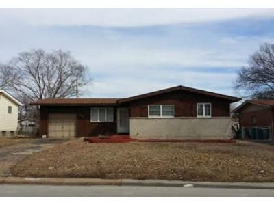 3 Bed 1 Bath Foreclosure Property in Hazelwood, MO 63042 - Lynn Haven Ln