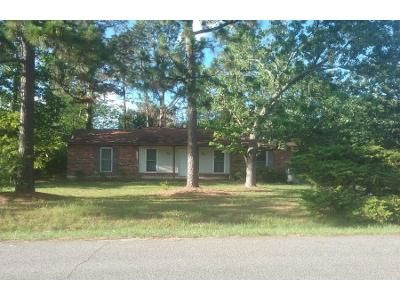 3 Bed 2.0 Bath Preforeclosure Property in Augusta, GA 30906 - Hiwatha Dr