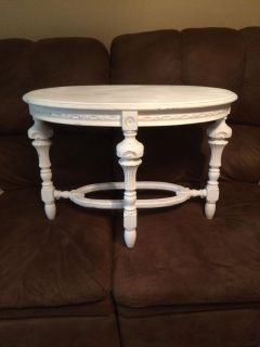 Side/coffee table.