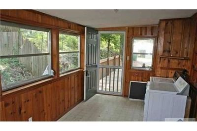 House for rent in Athens. Washer/Dryer Hookups!