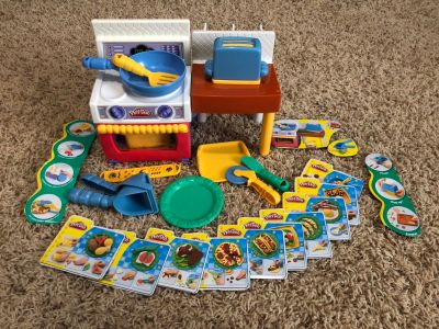 Play doh meal makin' kitchen food mold set