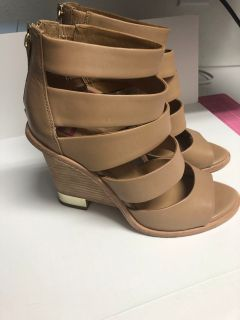 Sz 9 Elaine Turner Tan Leather Wedge