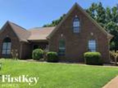 5001 Rabbit Cross Cove Arlington, TN 38002 - 4/2 2627 sqft