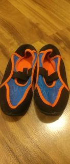 Water shoe size 13-1