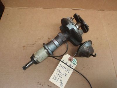 Sell Pontiac GTO 389 Distributor 1111078 6 A 24 4 bbl decent ole original 1966 motorcycle in Kirkland, Washington, United States, for US $75.00
