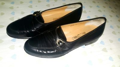 Elegant Salvatore Ferragamo Loafers Crafted in Italy from supple leather. They taper slightly to the toe. Men's size 11
