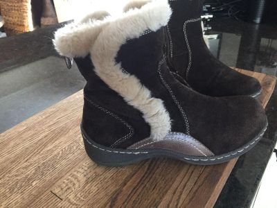 Bare traps boots size 7 1/2