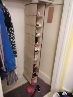 Shoe holder in great shape holds 10 pairs of shoes