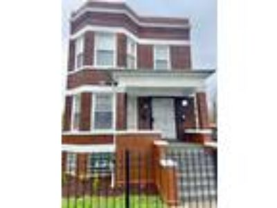 Available Property in CHICAGO, IL